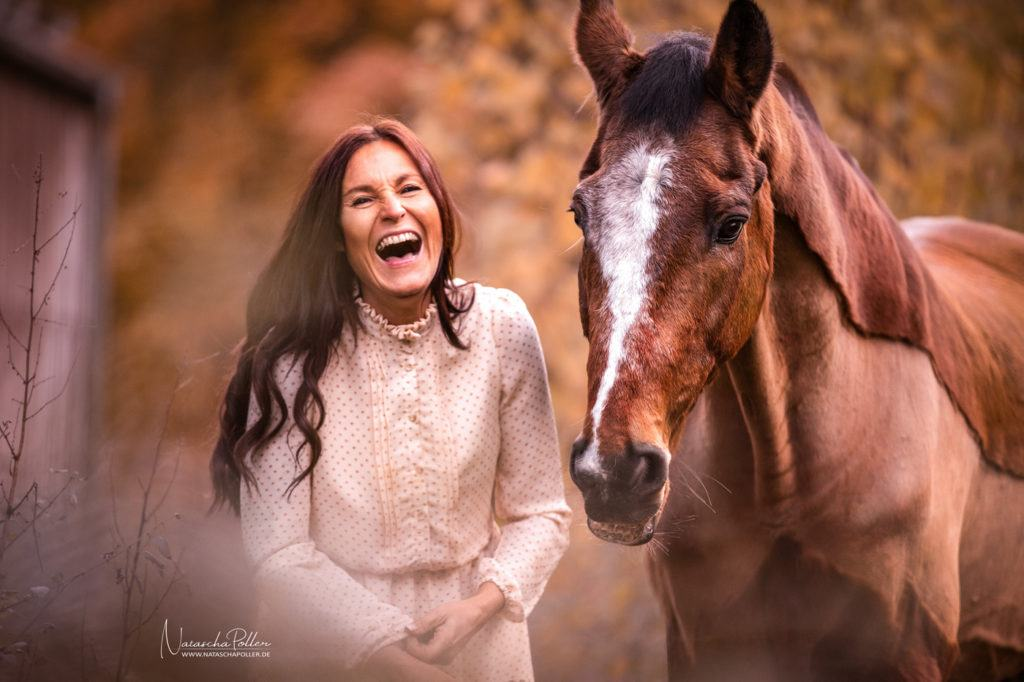 happy horse laughing